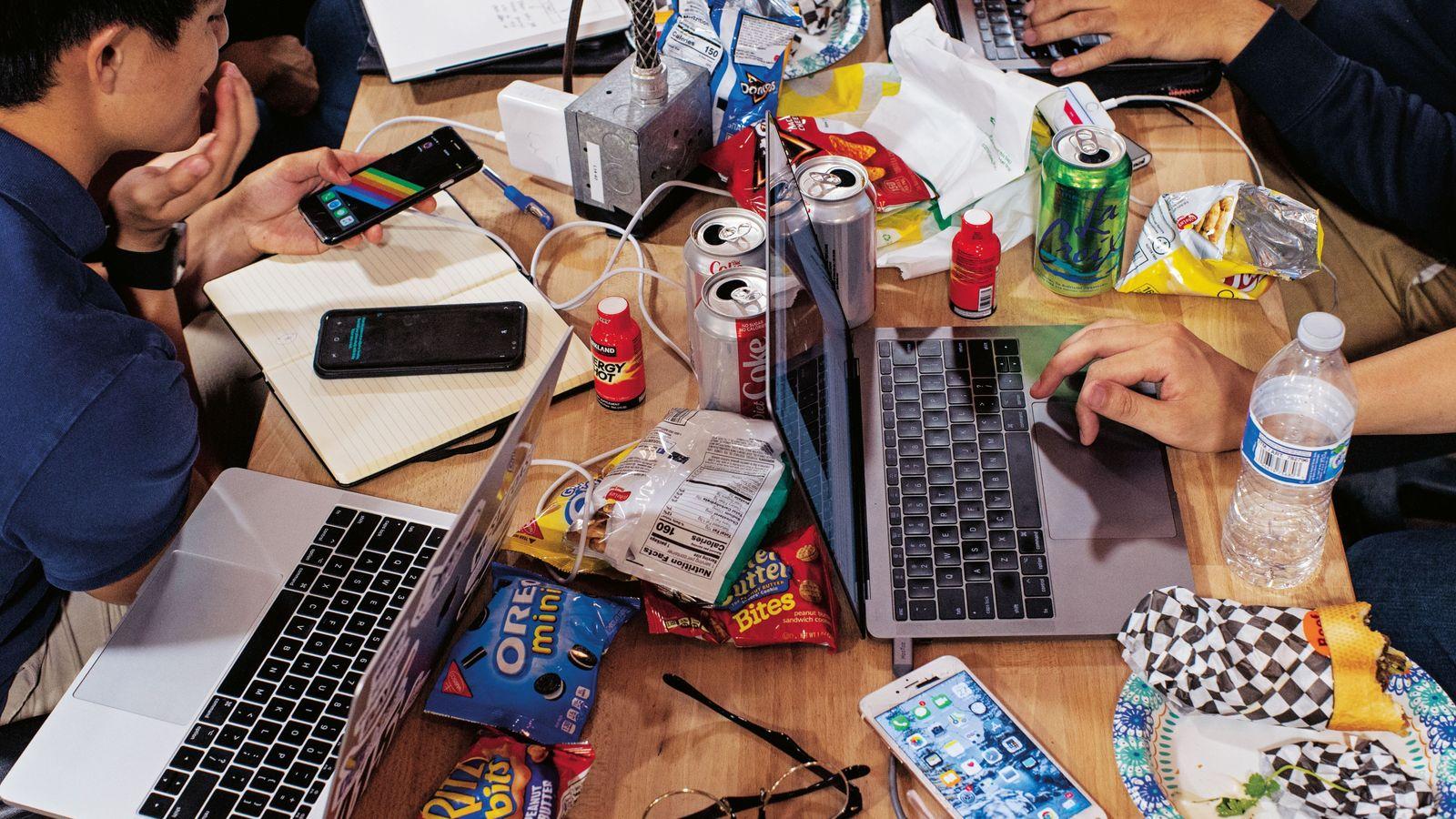 Malbouffe, sodas allégés et boissons énergisantes constituent le carburant de ces étudiants de l'université technologique de ...