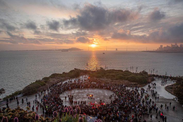 L'occupation de l'île d'Alcatraz a galvanisé un mouvement à travers lequel les Amérindiens ont pu reconquérir ...