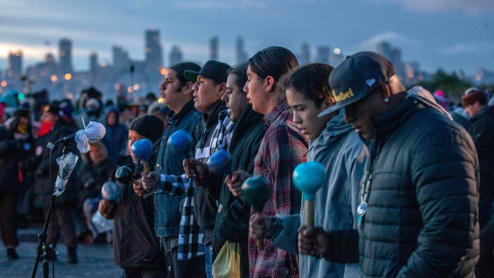 Rassemblement à l'occasion de l'Indigenous Peoples' Sunrise Ceremony, également appelée Un-Thanksgiving Day, le 28 novembre 2019 à San ...