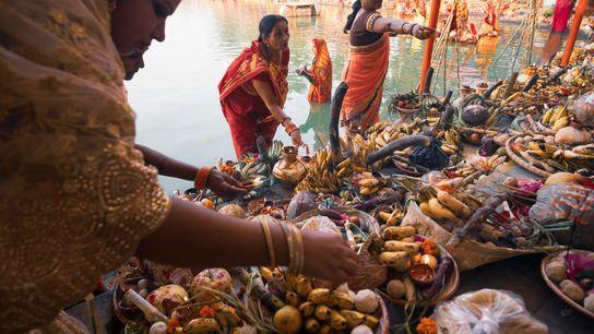 Célébré dans diverses régions de l'Inde, du Népal et d'autres pays, le Chhath Puja est une ...