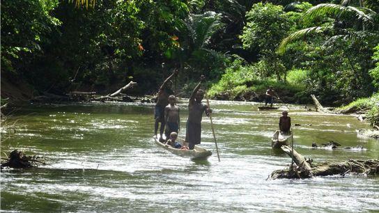 Des Papous sur la rivière Sepik en Papouasie-Nouvelle-Guinée.