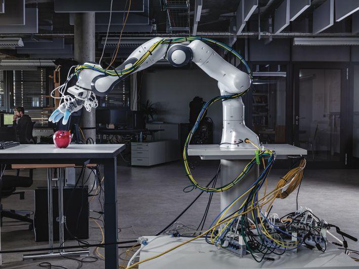Manipuler des objets est indispensable aux robots travaillant avec des hommes. Si aucune machine n'a une ...