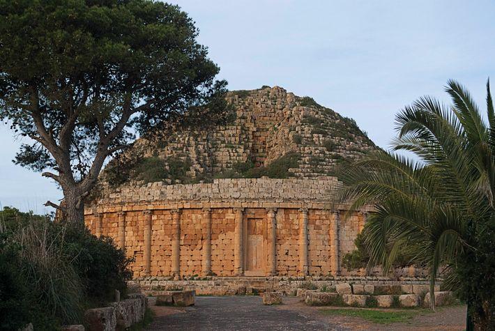 Le mausolée royal du parc archéologique de Tipasa en Algérie aurait contenu les reliques de Juba II, ...