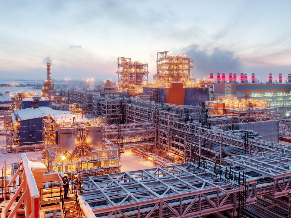 Reportage : l'impressionnante raffinerie de gaz russe en Arctique