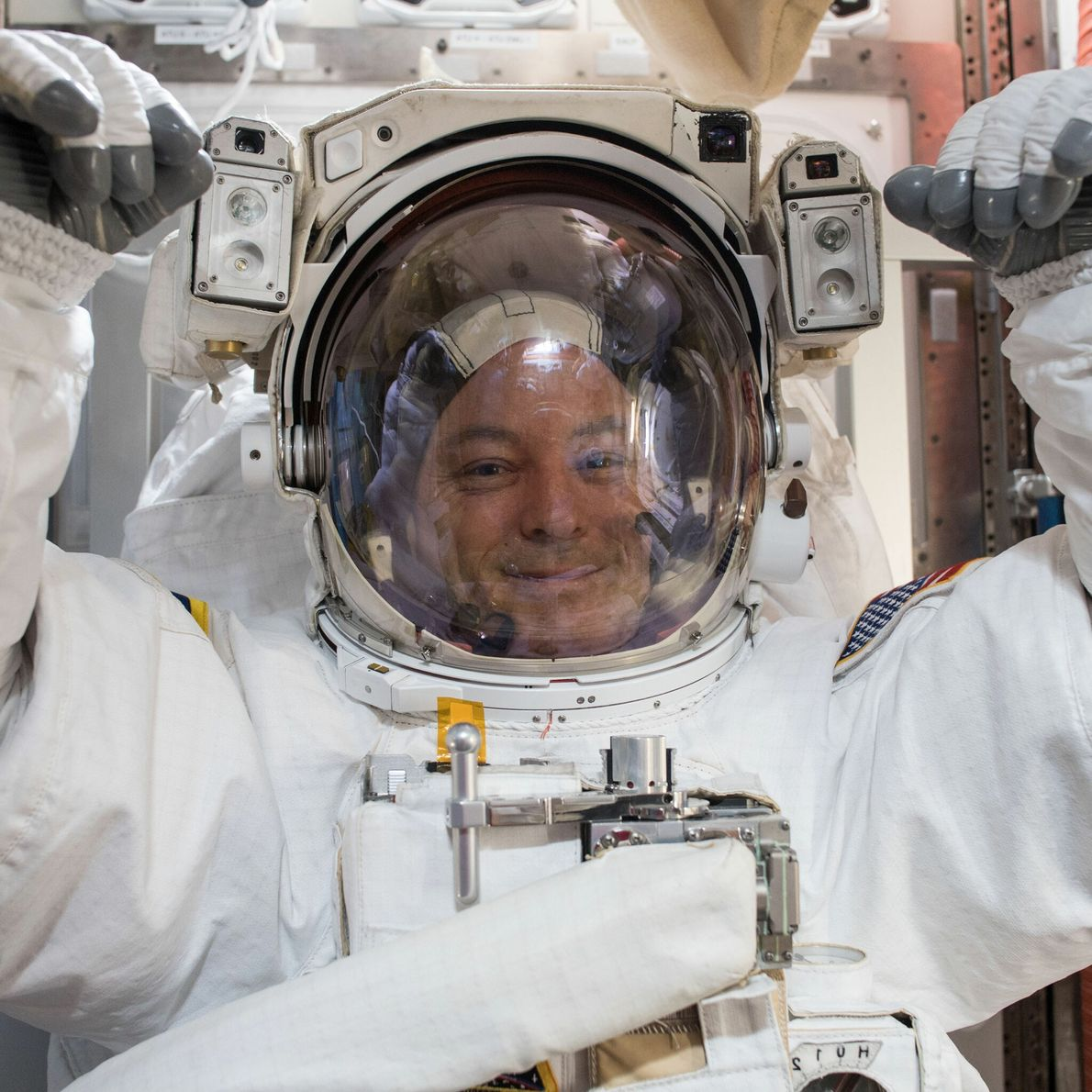 Scott Tingle - promotion d'astronautes 2009, 168 jours dans l'espace.