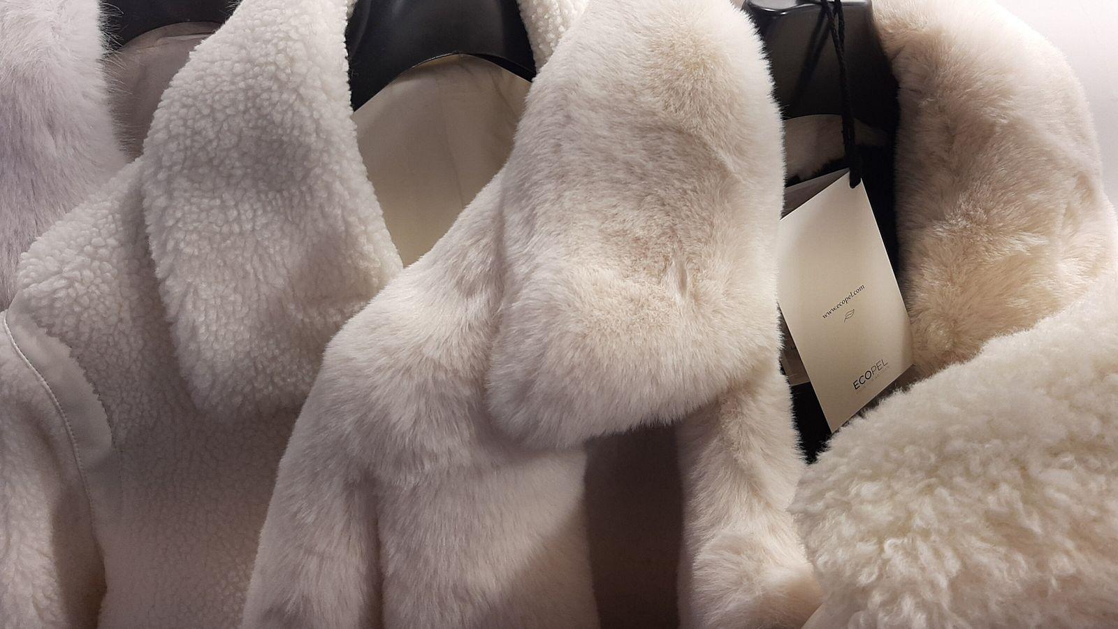 Manteaux de fausse fourrure Ecopel.