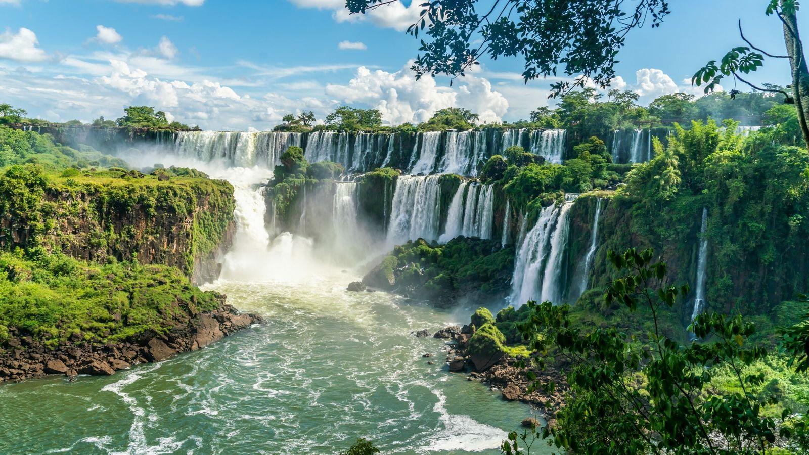 Une partie des chutes d'Iguazu vue du parc national argentin.