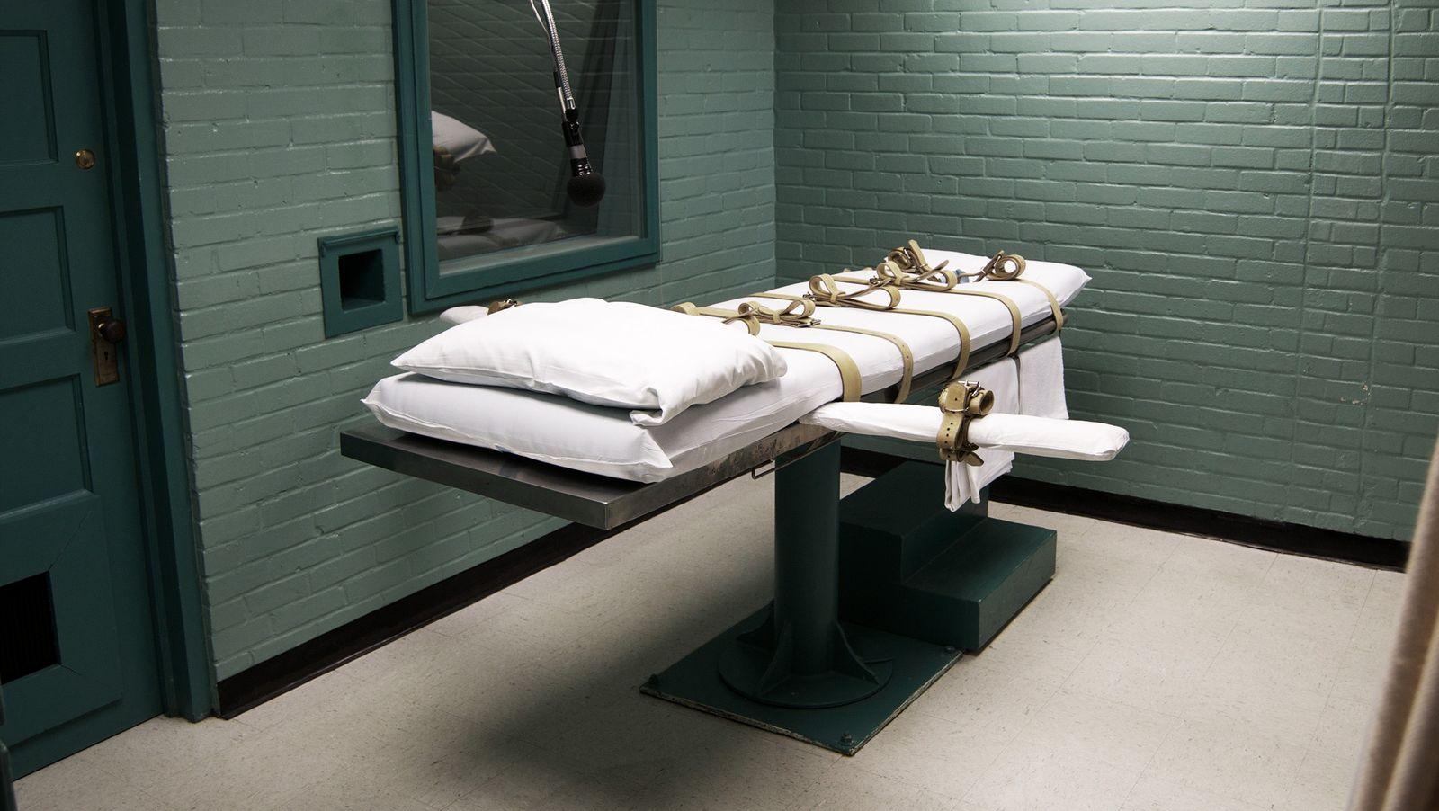 Plongée dans les couloirs de la mort - Reportages