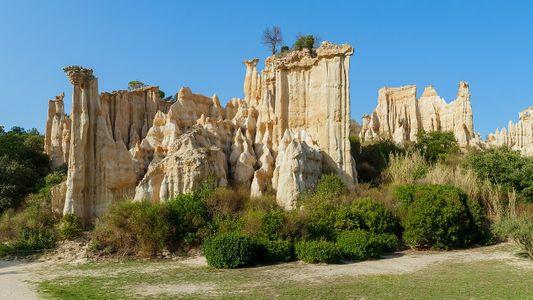 Les Orgues d'Ille-sur-Têt, falaises d'argile et de sable