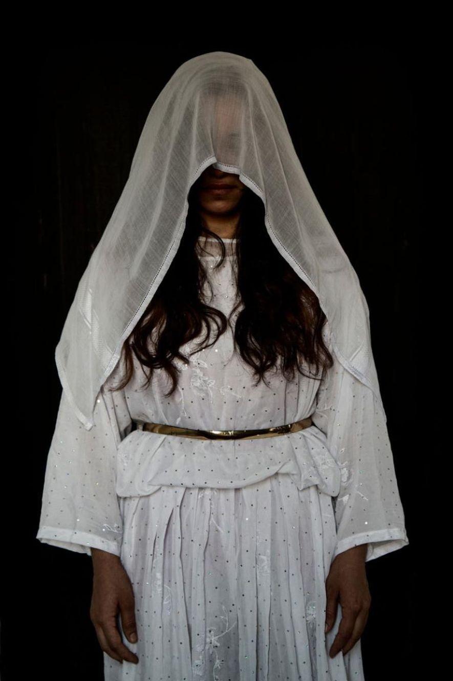 Jihan, 20 ans, originaire de Sinon, dans la région de Sinjar. Capturée le 04/08/2014. Durée de ...