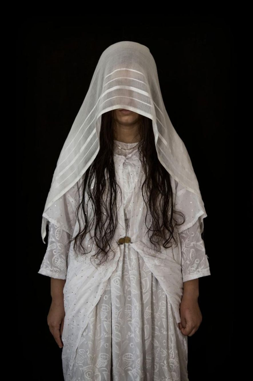 Qaliya, 21 ans, originaire de Talqasab, dans la région de Sinjar. Capturée le 03/08/2014. Durée de ...