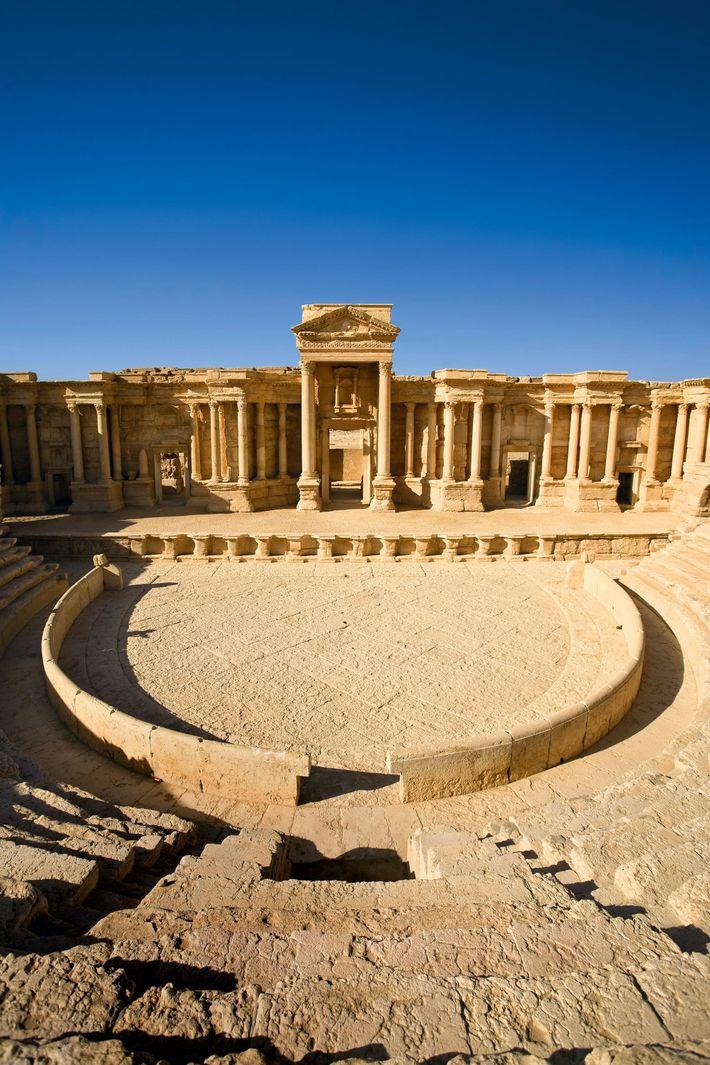 Le magnifique théâtre de Palmyre datant du 2e siècle était probablement plus utilisé pour des présentations ...