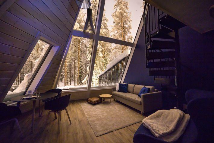 Dans le village du Père Noël du Snowman World Glass Resort, les suites sont dotées de ...