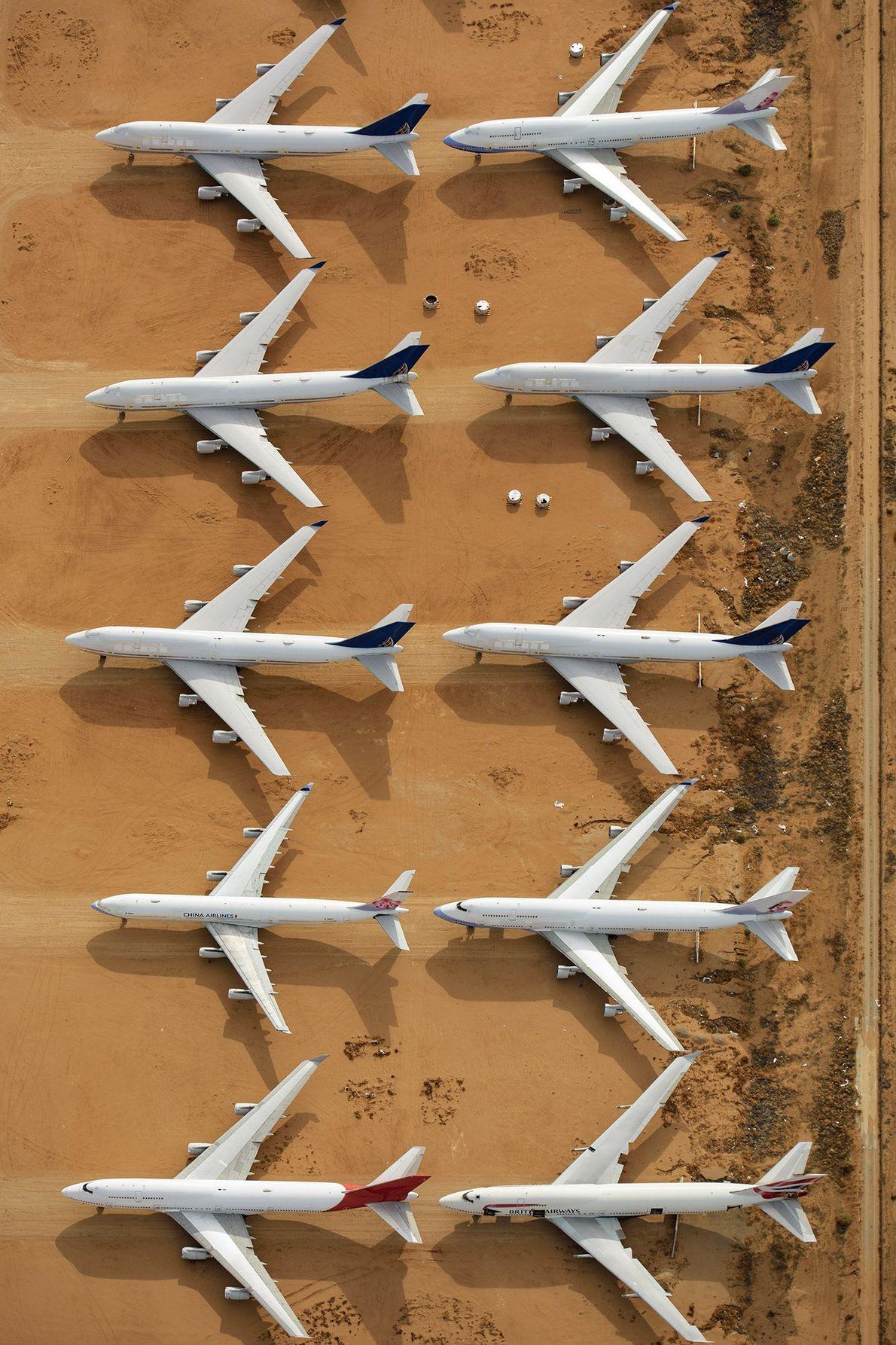 Des avions qui ne sont plus utilisés sont également entreposés à l'aéroport. Ils servent désormais de ...