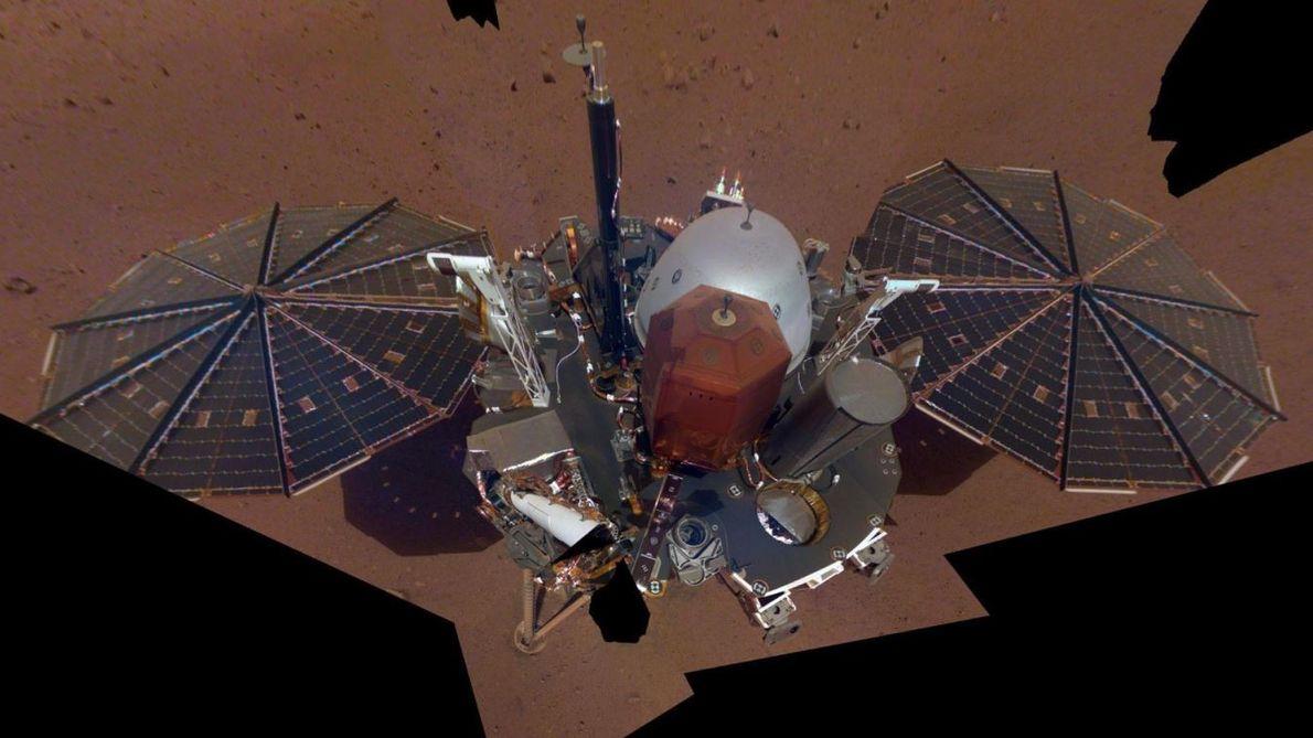 Le satellite InSight Mars de la NASA a capturé son premier selfie intégral sur Mars le ...