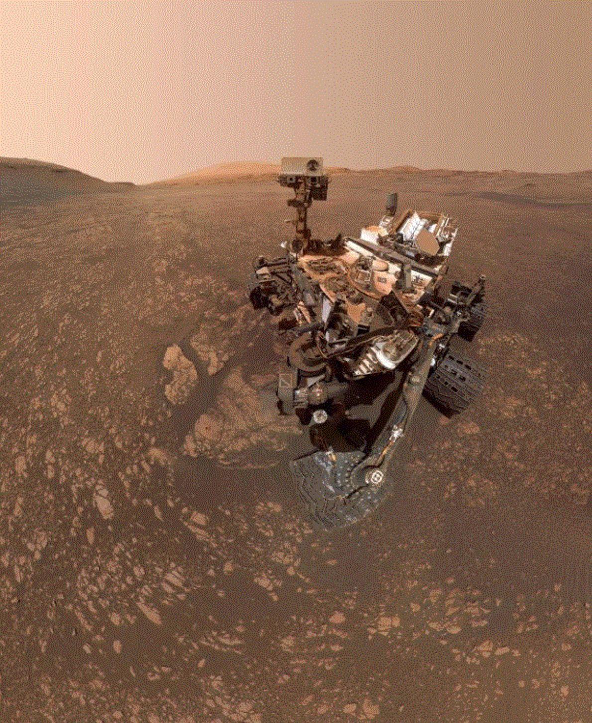 Le robot Curiosity de la NASA a pris ce selfie le 12 mai 2019. Le selfie ...