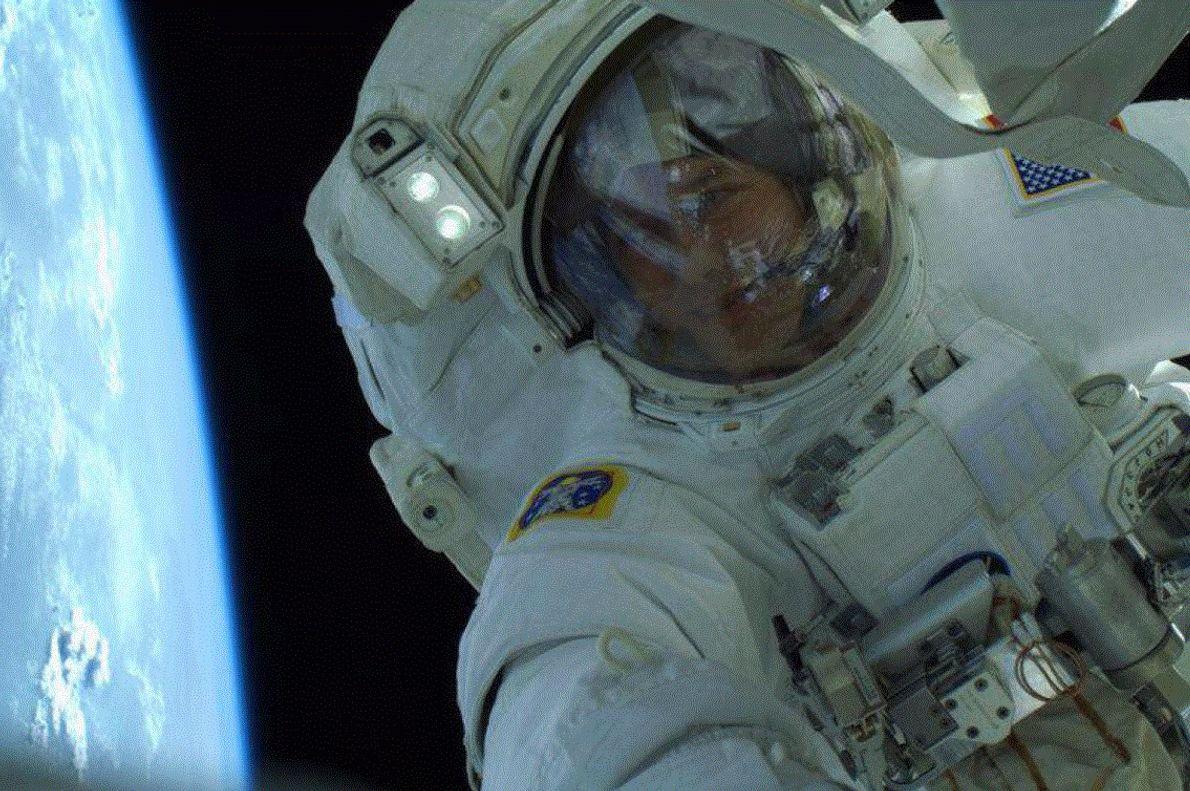 L'astronaute Thomas Marshburn a tweeté ce selfie en 2013.