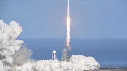 Premier vol historique pour la Falcon Heavy de SpaceX
