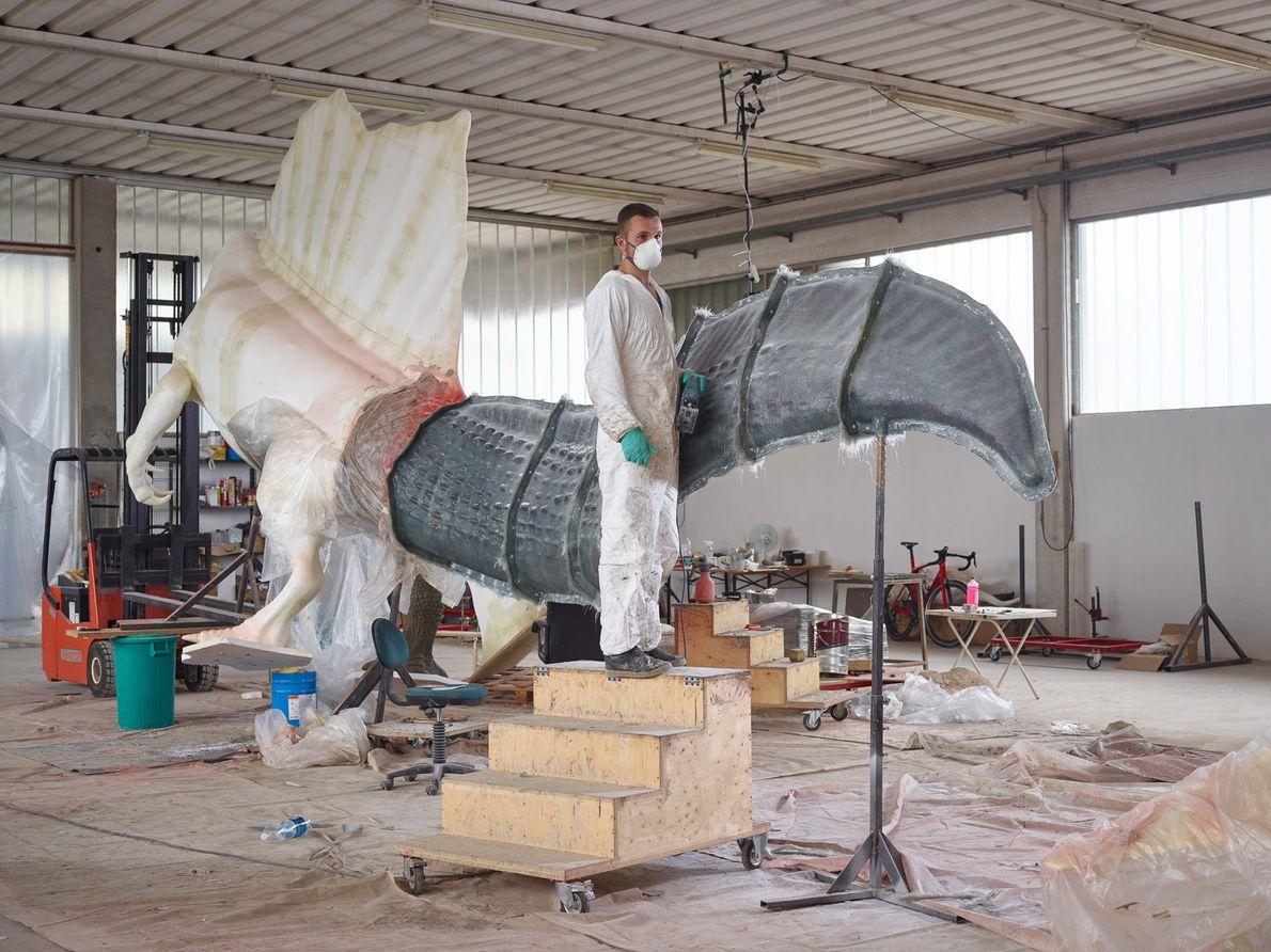 De nouveaux os génèrent de nouveaux modèles. Dino Makers, une entreprise de sculpture de musée basée à ...