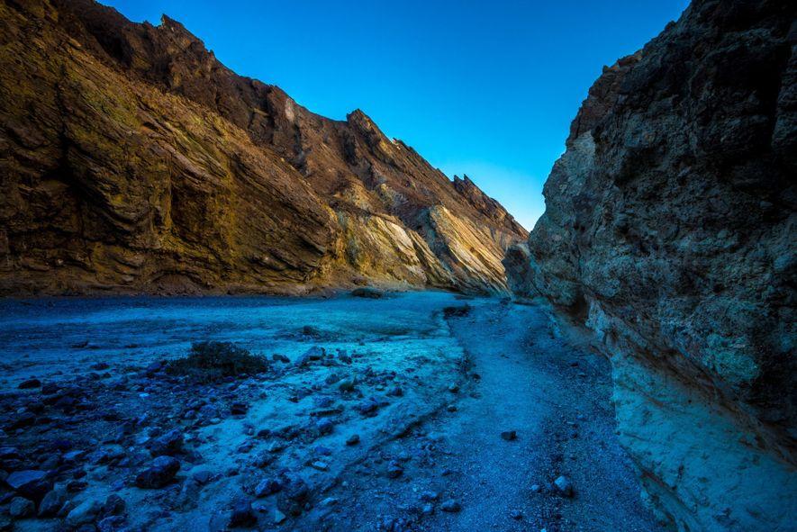 C'est grâce aux nombreux canyons de la vallée de la Mort (ici, le Golden Canyon) que ...