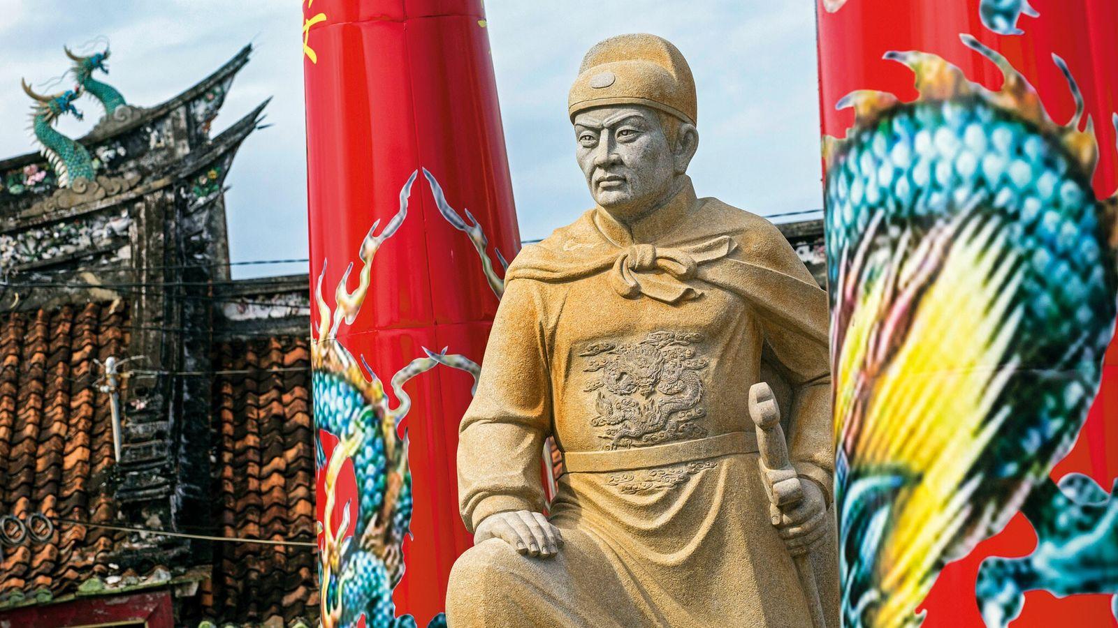 Au temple taoïste chinois Tay Kak Sie à Semarang sur l'île de Java, en Indonésie, une ...