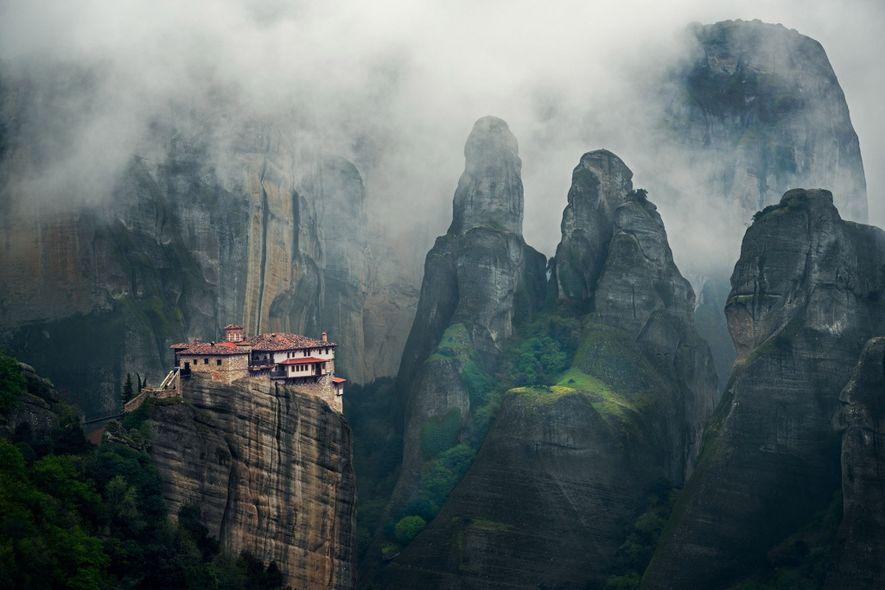 Ces monastères vertigineux sont plus accessibles qu'il n'y paraît