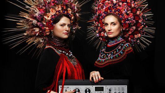 Ukraine : la tradition des couronnes de fleurs revient à la vie