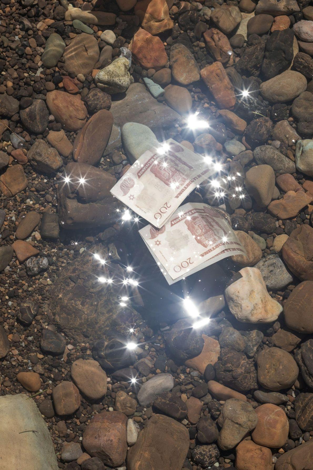 departments-11.2021-proof-warawar-money
