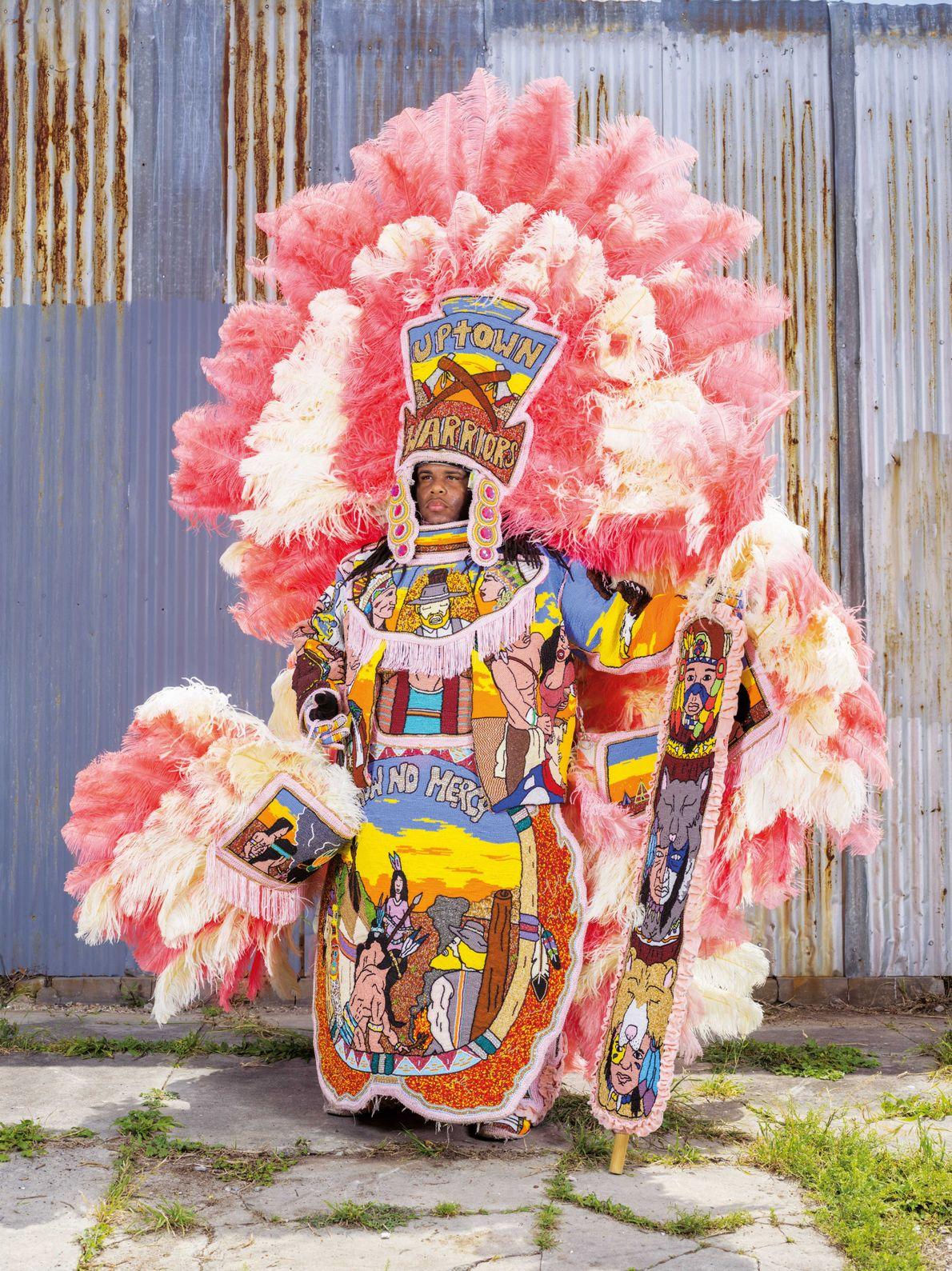 Les Indiens du Mardi gras sont typiques du carnaval de La Nouvelle-Orléans ( États-Unis) : des ...