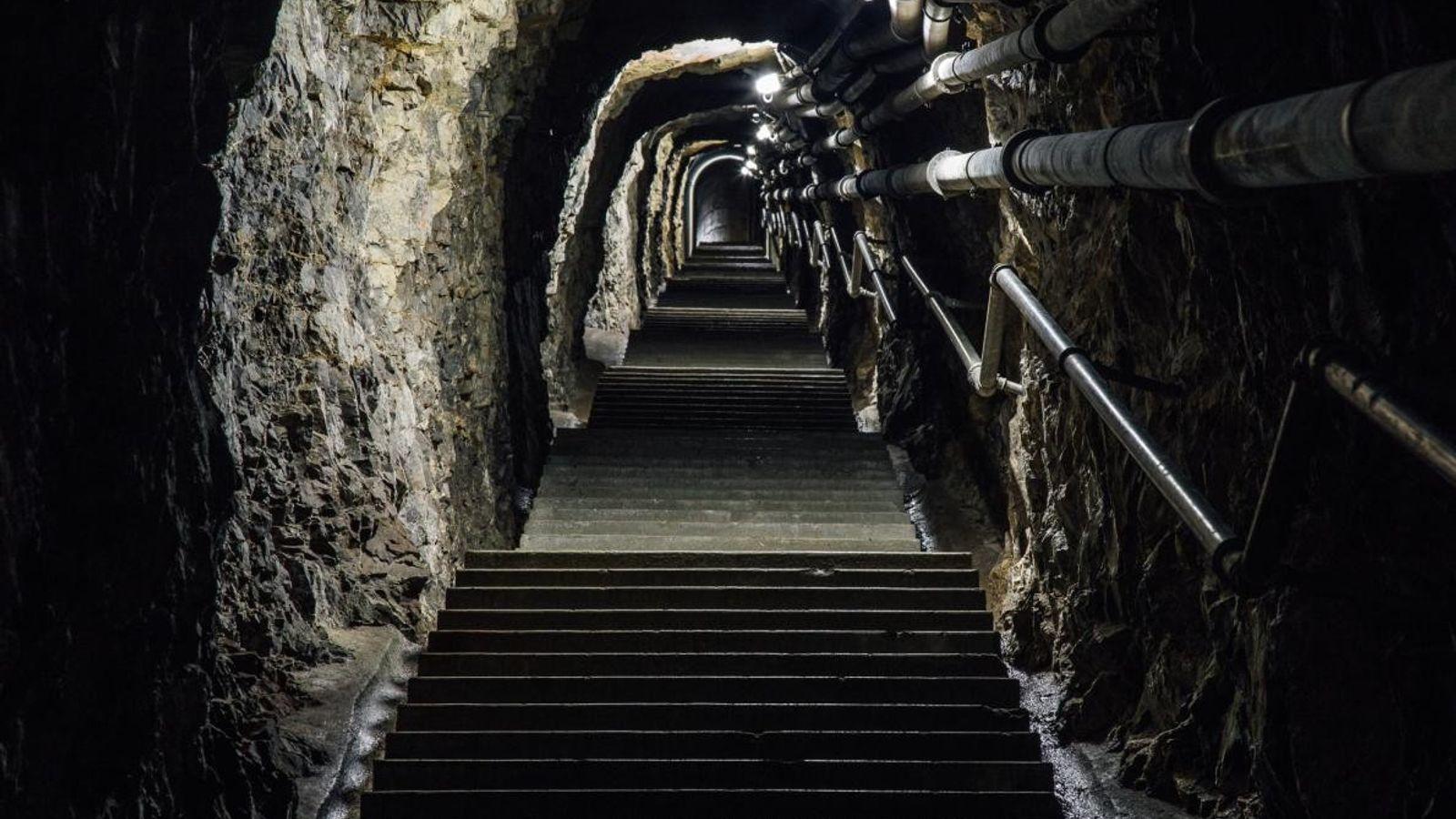 Plongée dans les bunkers de la Seconde Guerre mondiale