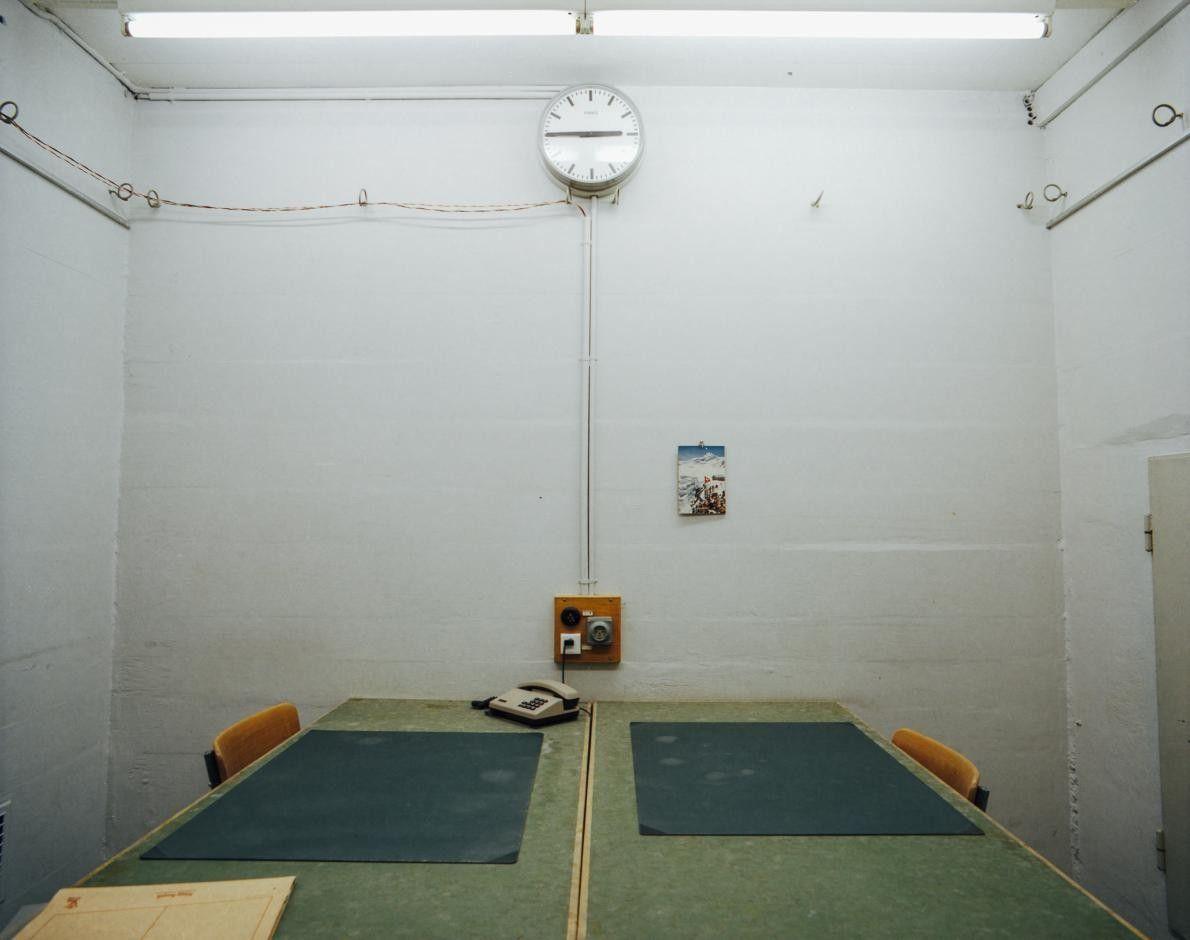 Un bureau sous-terre dans une base aérienne,  Fort St. Stephan