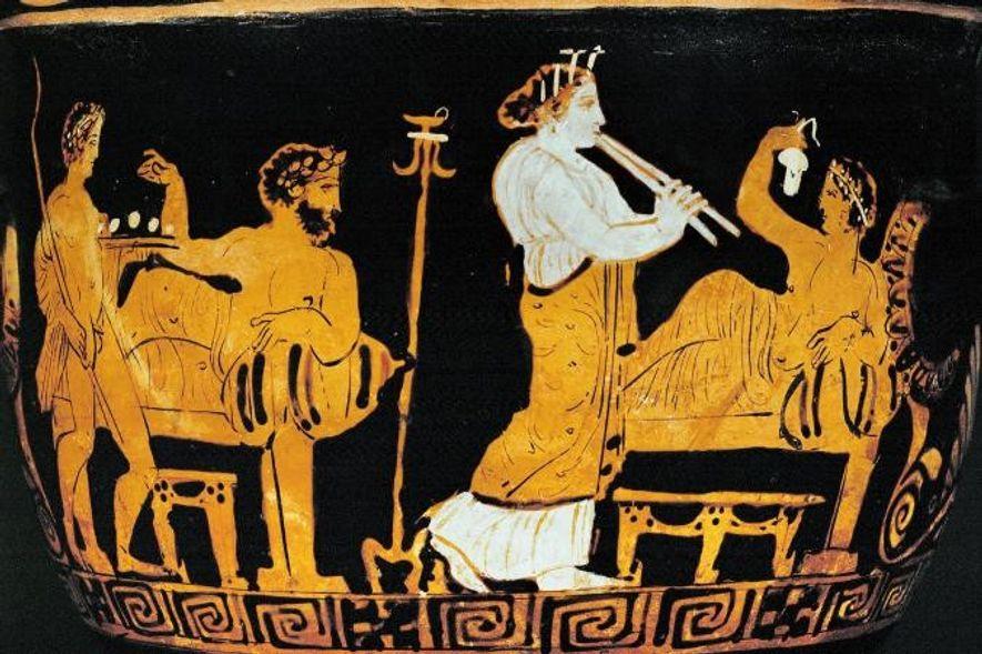 Un auletris (flûtiste) se produit lors d'un symposium, selon cette représentation conservée au musée du Louvre ...