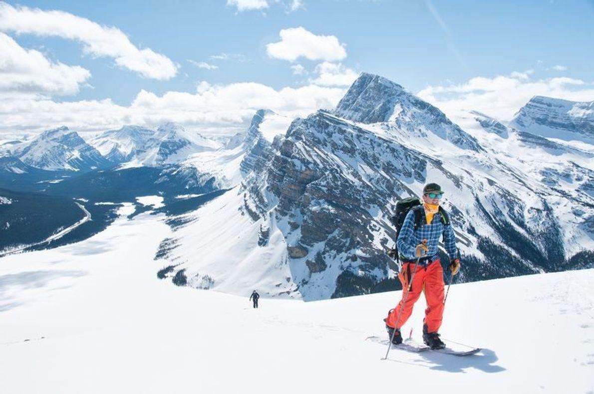 Mon frère Daniel, faisait une randonnée à ski sur le mont Jimmy Simpson, dans le parc ...