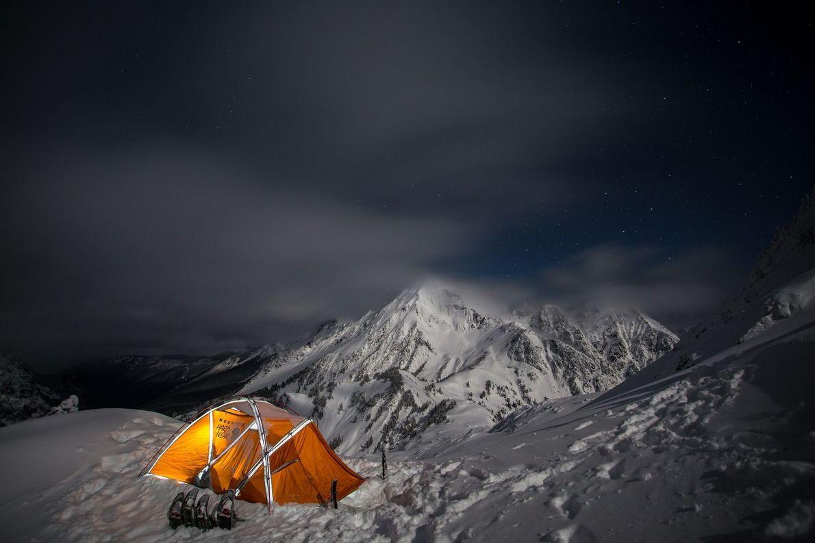"""Le camping dans les hauteurs montagneuses est à la fois froid, désagréable et magnifique. """"J'ai pris ..."""
