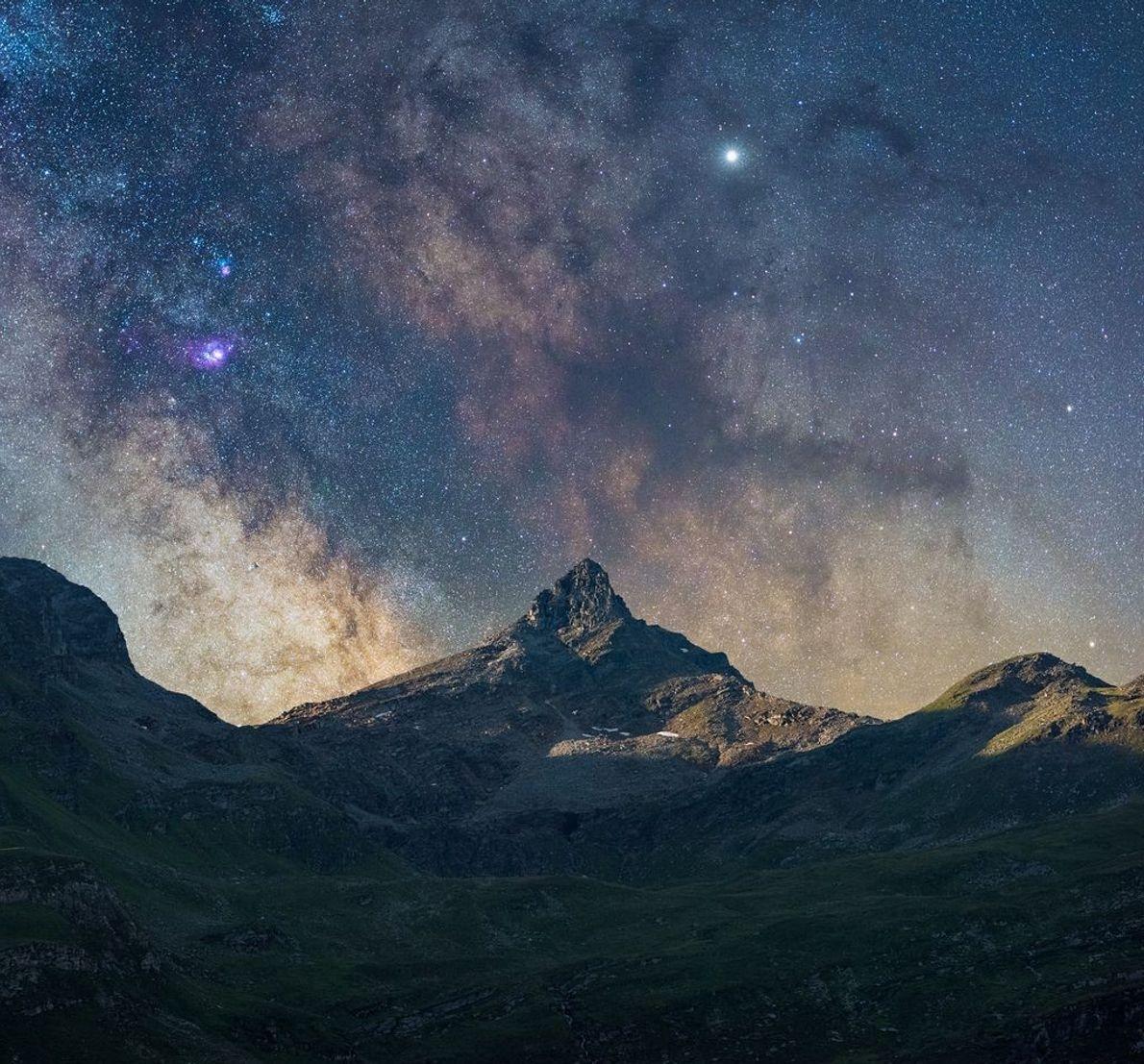 """""""Quand nous sommes montés dans les montagnes ce soir-là avec des astronomes, ils nous ont raconté ..."""