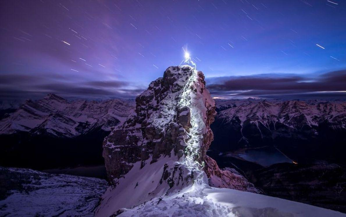 Escalade de l'un des pinacles du Big Sister (2 940m) près de Canmore, Alberta - Canada.