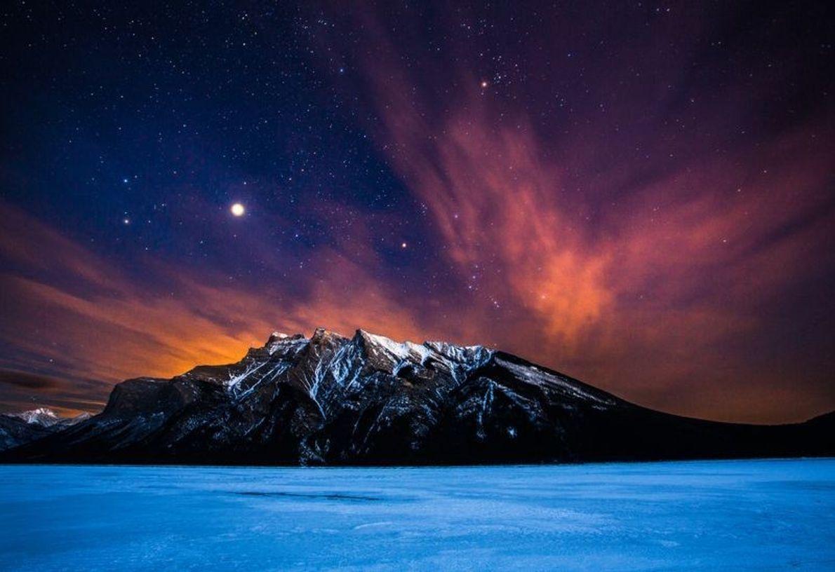 Fairholme Range est situé dans les Rocheuses canadiennes dans le parc national Banff en Alberta, Canada. ...