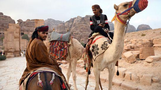 La plupart des bédouins qui vivaient autrefois de l'élevage des chèvres et habitaient le site de ...