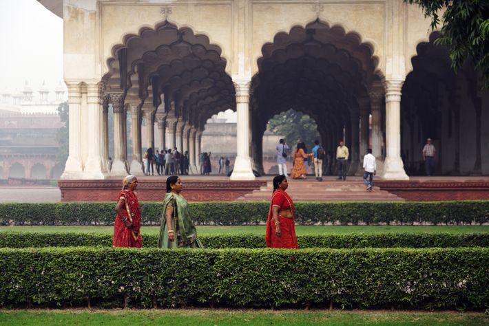 Le Fort d'Agra, ou Fort Rouge, est une forteresse en grès rouge datée du 16e siècle. ...