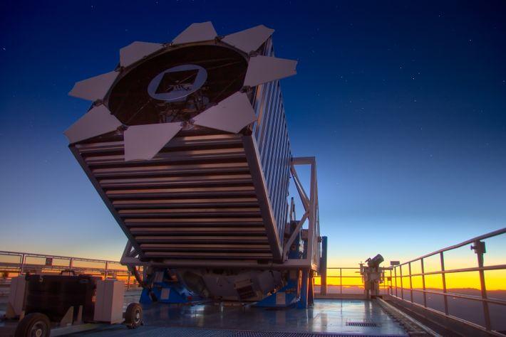 Photographie du téléscope SDSS qui a permit la conception de la carte tridimensionnelle.