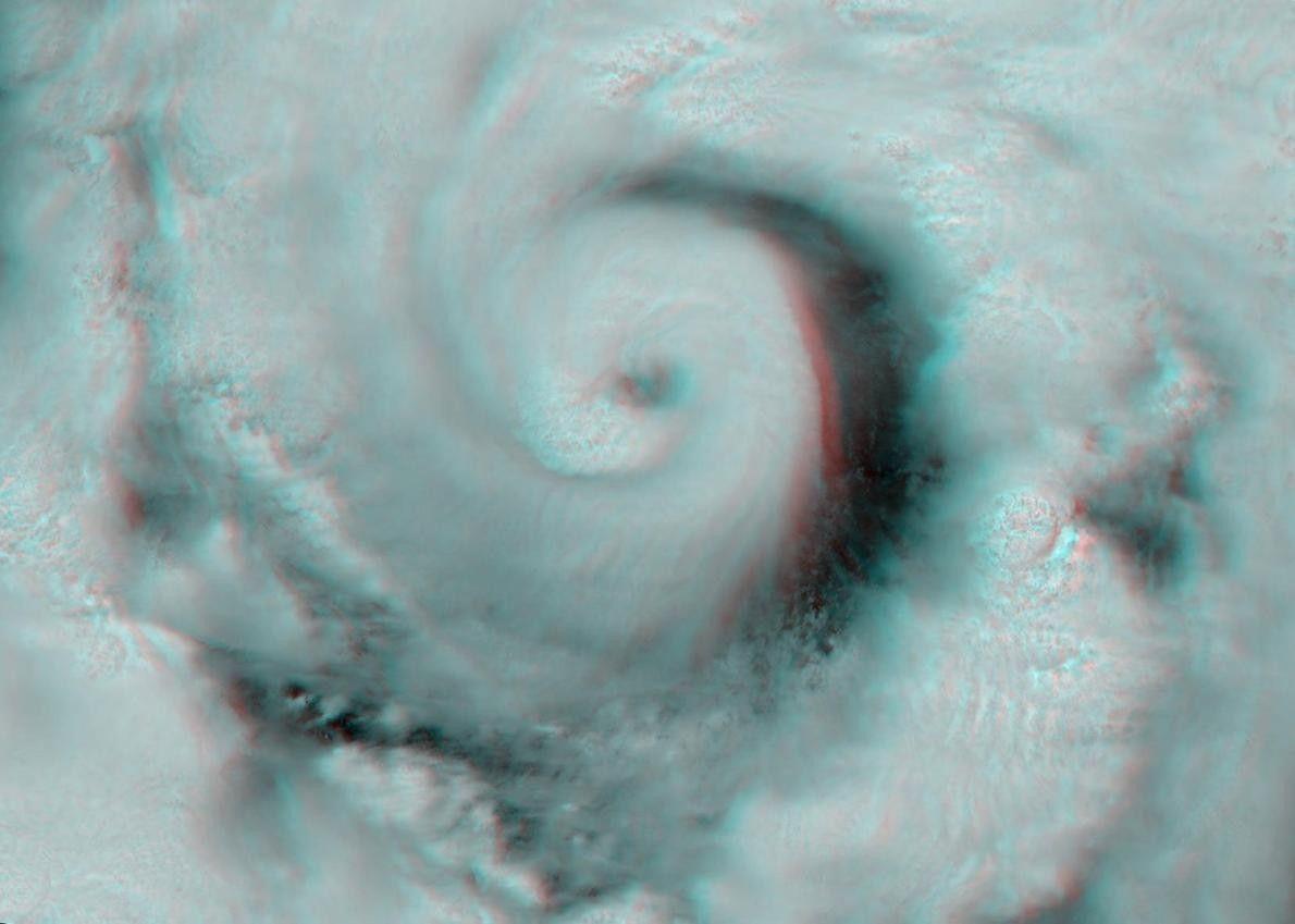 Cette image à l'apparence amusante est une projection 3D de l'ouragan Alex, lequel a frappé le ...