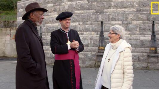 Morgan Freeman rencontre sœur Bernadette, miraculée de Lourdes