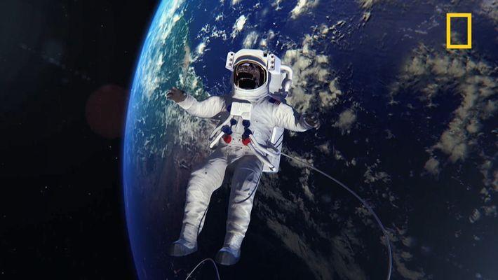 De quoi sont composées les combinaisons de l'ISS ?