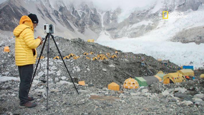 Comment étudier un glacier géant dans son intégralité ?