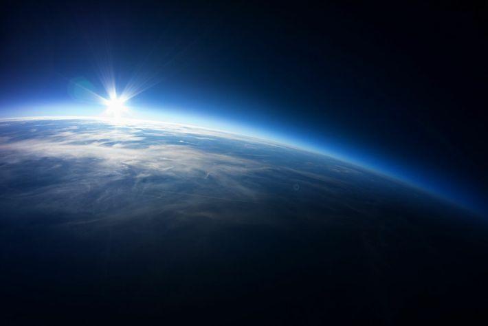 L'onde de choc de l'entrée d'une navette spatiale dans l'atmosphère en images