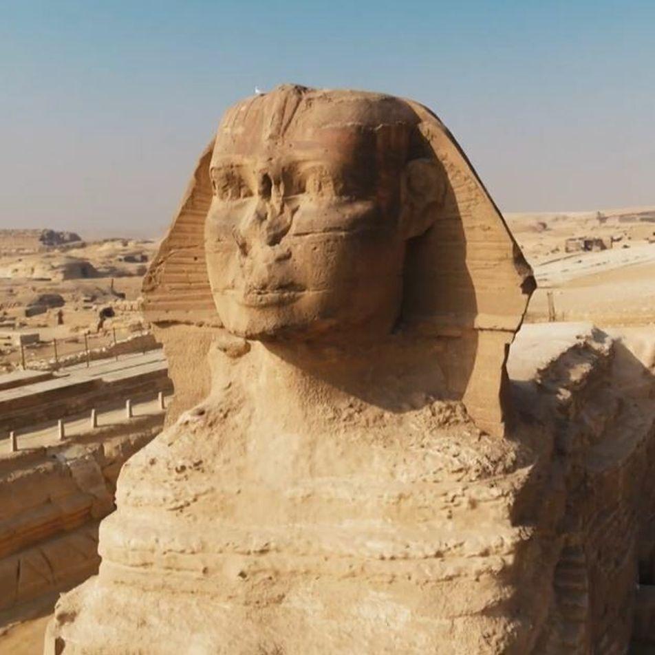 Le fabuleux Sphinx de Gizeh, creusé à même la roche