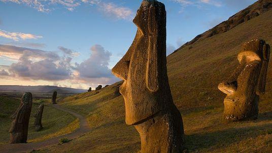 Ces peuples disparus avec leur environnement : les Rapanuis de l'île de Pâques