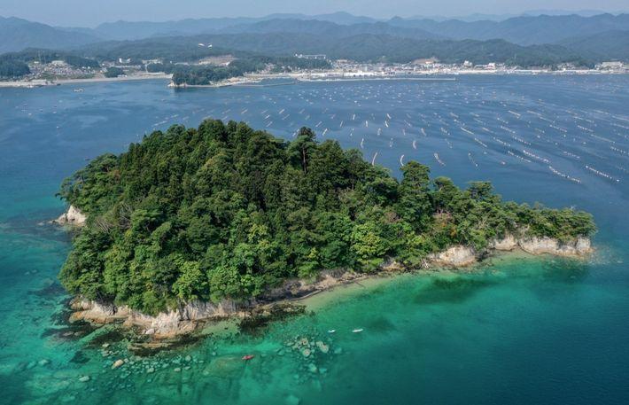 Holland Island dans la préfecture d'Iwate est une île déserte où l'on accède en bateau depuis ...
