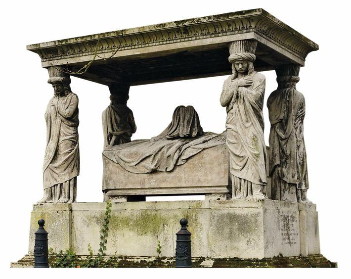 Le cimetière de Brookwood était le lieu de sépulture des morts appartenant aux familles les plus ...