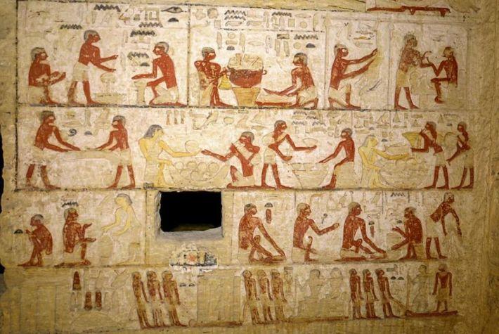 Les reliefs peints sur les murs du tombeau représentent ces scènes d'ouvriers effectuant diverses tâches de ...